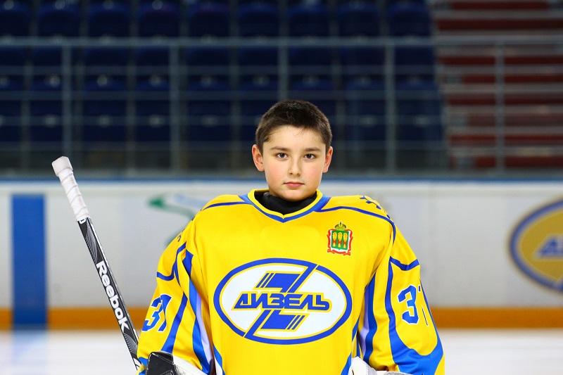 Антон Зюзин 2004 г.р. вратарь